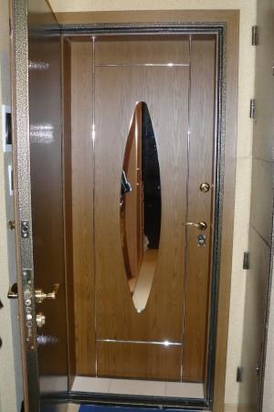 Раздвижные двери из массива дуба с зеркалом в Краснодаре